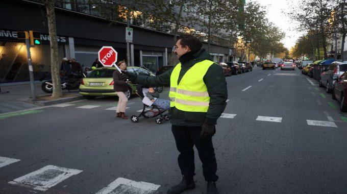 """Necessitem Voluntaris Pel Segon Trimestre Del """"Projecte Semàfors"""""""