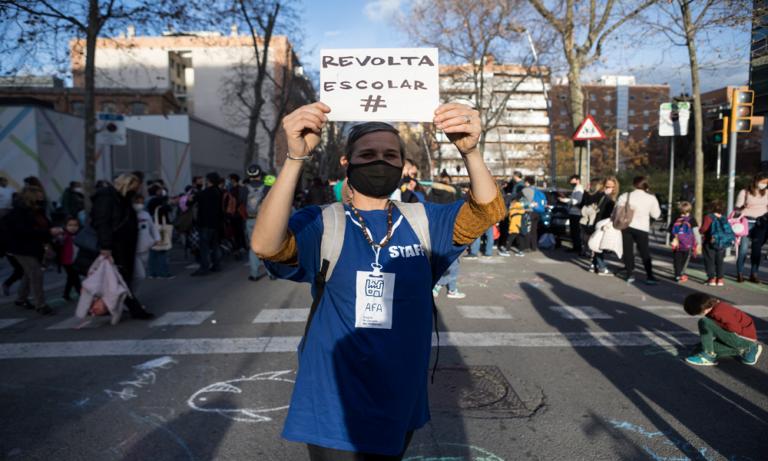 #RevoltaEscolar a La Llacuna: tall de carrer el 29 d'octubre